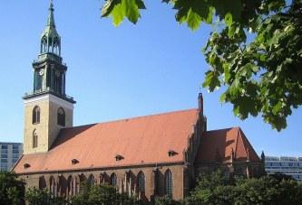 Einstimmiger Beschluss Berlin: Evangelische Kirche für Trauung von Homo-Paaren