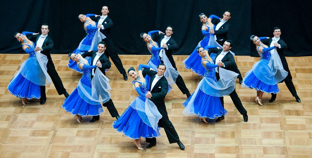 Ein besonderes Erlebnis:  Tanzen in der Gruppe (Formationstanzen)